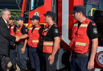 Los bomberos de San Pedro tienen un nuevo camión autobomba