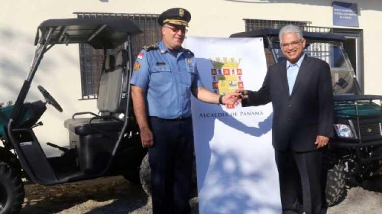 Alcaldía de Panamá dona vehículos al Cuerpo de Bomberos