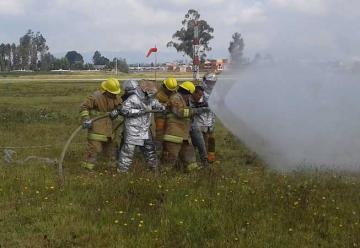 Futuros bomberos aeronáuticos inician capacitación