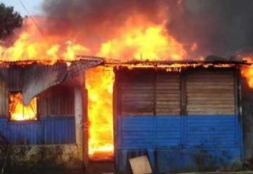 Incendiodestruye 15 viviendas durante inauguración de una estación de bomberos