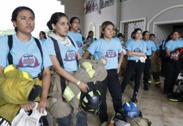 Bomberos rindió un homenaje a sus heroínas