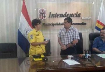Municipio entrega importante aporte economico a bomberos