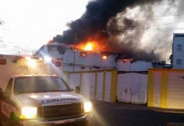Cinco bomberos sufren lesiones en labores de control del fuego