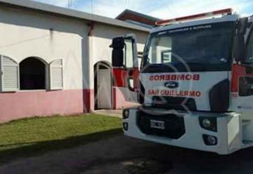 Importante incendio en el cuartel de Bomberos de San Guillermo