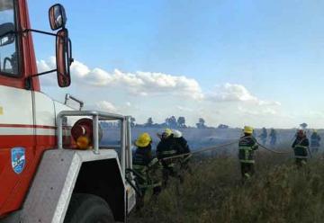 Intensa práctica de Bomberos sobre incendios forestales
