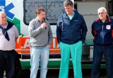 Municipio entregó a Bomberos una ambulancia