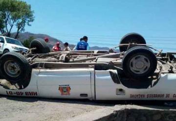 Unidad de Bomberos se accidenta en carretera Panamericana