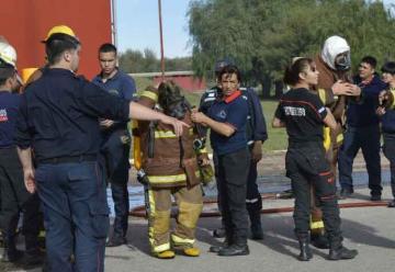 Bomberos de la provincia de San Luis se capacitan en el CEMI
