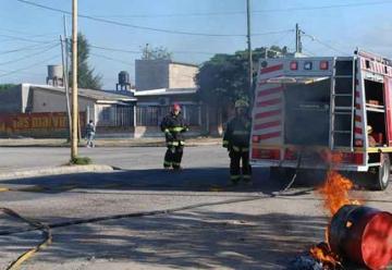 Simulacro de incendio realizado por Bomberos de La Banda