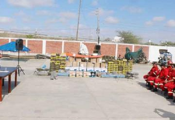 Entregan implementos donados a bomberos de Piura
