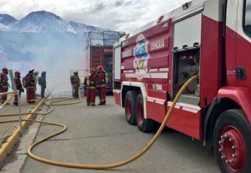 Firma de convenio entre el gobierno de Tierra del Fuego y bomberos