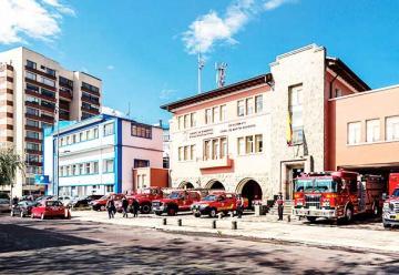 Conmemoración de los 73 años de Bomberos de Quito
