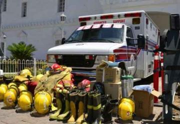 Donan ambulancia a Cuerpo de Bomberos Veteranos de Culiacán