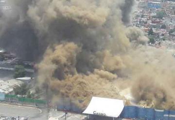 Incendio consume casino abandonado en Naucalpan