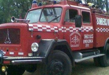 """Camion de Bomberos fue bautizado con el nombre de """"Sonia"""""""
