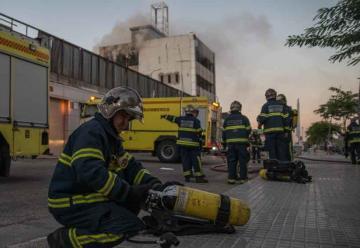 Los bomberos de Cádiz trabajan sin seguro de vida