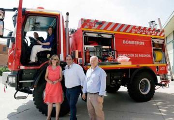 Diputación de Palencia entrega un camión de bomberos a Baltanás