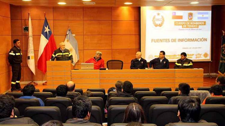 Bomberos de Temuco realizó seminario internacional para trabajo con materiales peligrosos