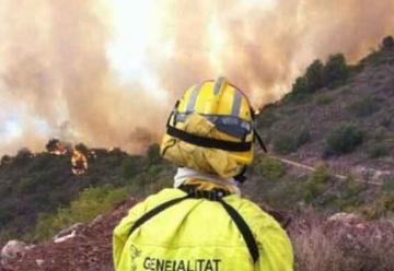 Tres bomberos heridos por el impacto de un rayo