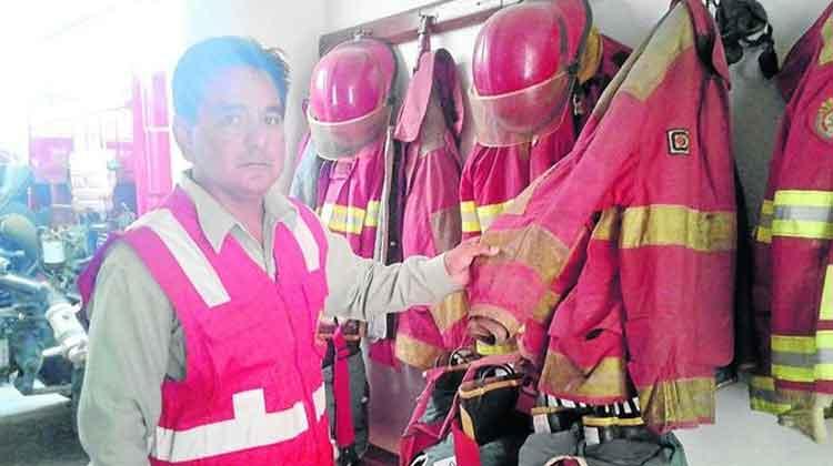 Bomberos de Tumbes atienden incendios con los equipos dañados