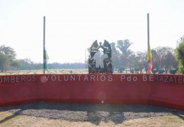 Inauguraron monumento a los bomberos caídos en Berazategui