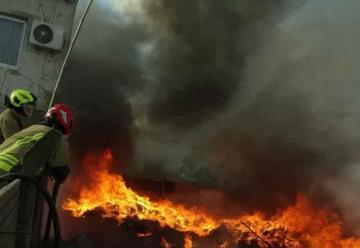Incendio en un depósito de plásticos en Cañuelas