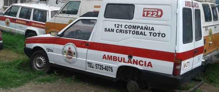 Delincuentes roban llantas de una ambulancia en Totonicapán