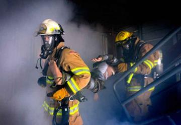 Trajes para bomberos voluntarios de Trinidad siguen en la Aduana