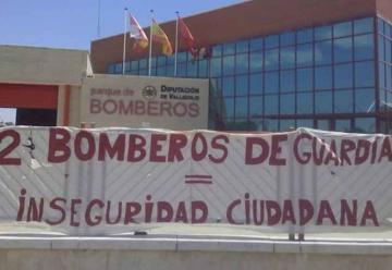 Protesta de los bomberos de la Diputación por falta de personal