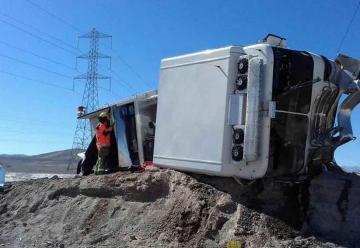 Volcamiento de carro de Bomberos deja dos lesionados en Calama