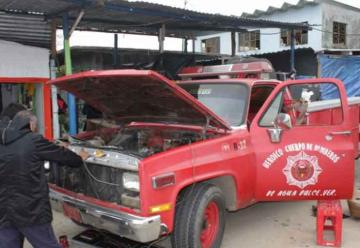 Bomberos prestan auxilios en condiciones precarias
