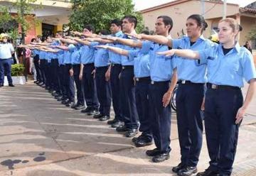 Once mujeres juran como bomberos en Carapeguá