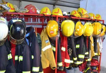 Gobierno transfirió fondos a bomberos voluntarios de la provincia