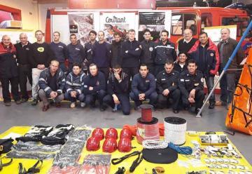 Bomberos presentó equipamiento didáctico para Rescate con Cuerdas