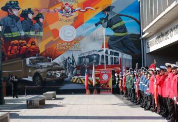 Bomberos inaugura mural gigante en Rancagua
