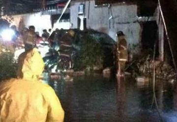 Explosión hiere a dos bomberos de Tequisquiapan