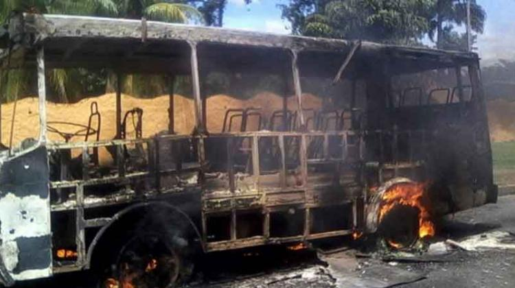 Denuncian ineficiencia de bomberos en Venezuela