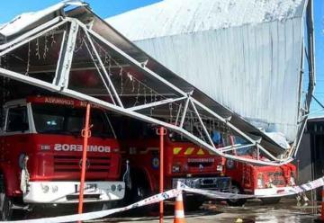 Colapsó techo de cuartel de bomberos en Chile