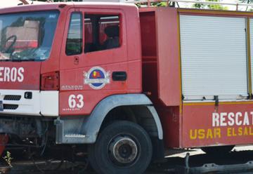 Bomberos trabaja con vehículos obsoletos