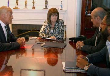 Reunión y mesa de trabajo entre la Ministra Patricia Bullrich y el SNBV