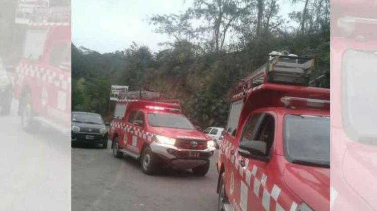 Bomberos jujeños colaboraron con el incendio que hubo en Tarija