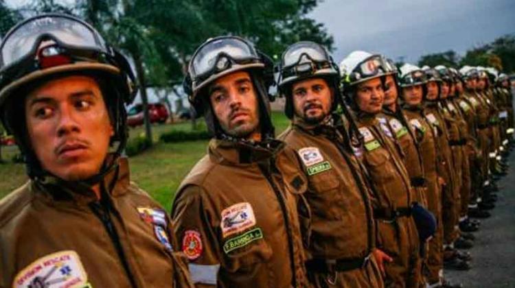 Equipos de bomberos de Guayaquil y Quito apoyarán tareas en México