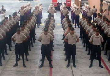 Cadetes de Bomberos inician curso de profesionalización