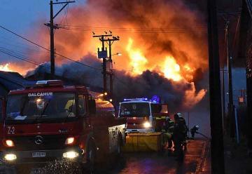 Gran Incendio afecta a empresa Codalsa de Dalcahue