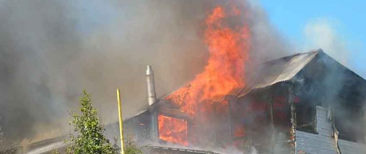 Daños totales en incendio en el centro de Puerto Montt