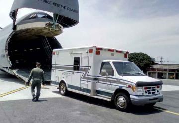 Bomberos Voluntarios reciben donativo de ambulancias y cisternas