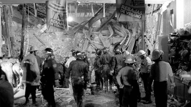 Se cumplen 30 años del incendio de los Almacenes Arias en donde perdieron la vida diez bomberos