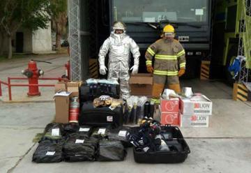Entrega de equipamiento para bomberos del Aeropuerto de San Juan