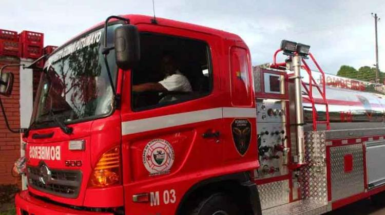 Entregan vehículo al Cuerpo de Bomberos de Puerto Guzmán