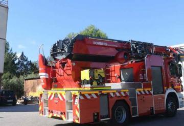 Camión autoescalera articulado para los bomberos de Ibiza